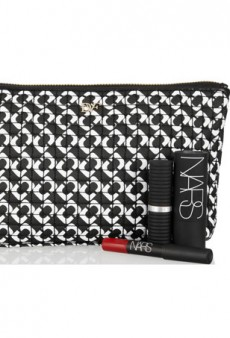 Organize Your Life (or Just Your Handbag) with a Chic Makeup Pouch