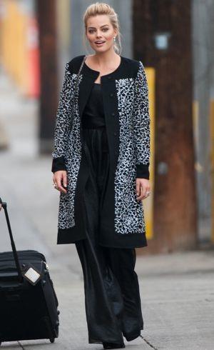 Margot-Robbie-outside-Jimmy-KImmel-Los-Angeles-Jan-2014