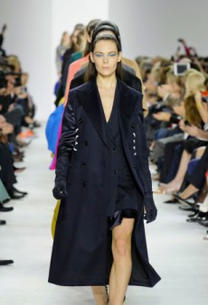 Raf Simons Tones Down the Embellishments for Christian Dior (Runway Review)