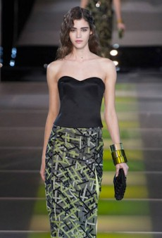 Giorgio Armani Infuses Classic Looks with Splashes of Lime for Fall 2014 (Runway Review)