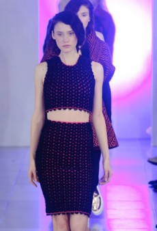 Mark Fast Shows Some Nifty Knits for Fall 2014 (Runway Review)