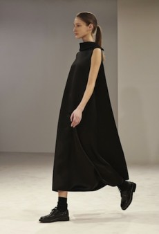 The Row Marries Volume and Simplicity for Fall 2014 (Runway Review)