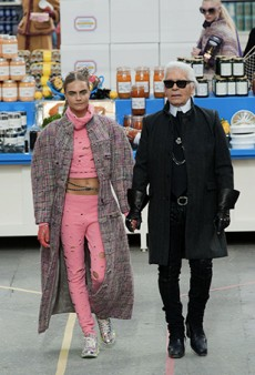 Chanel Carbs, Kendall Jenner and Everything Else You Need to Know About Today's Nutso Chanel Supermarket Show