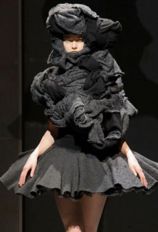 Comme des Garçons Crafts a Nightmarish Fall 2014 Collection (Runway Review)