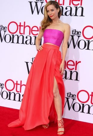 Leslie-Mann-Los-Angeles-Premiere-of-The-Other-Woman-portrait-cropped