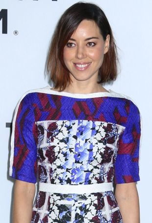 Aubrey-Plaza-Los-Angeles-Premiere-of-Palo-Alto-portrait-cropped