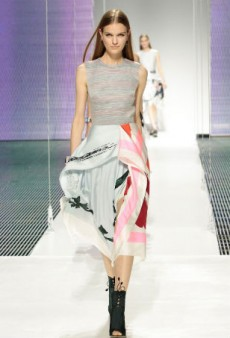 Christian Dior Cruise 2015 Proves There's a Million Ways to Fold a Scarf (Runway Review)