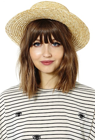 summer-hats-portrait-image
