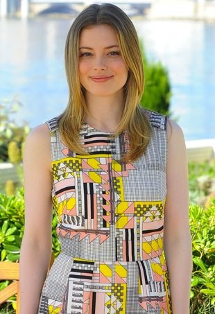 Gillian-Jacobs-54th-Monte-Carlo-Television-Festival-Community-Photocall-portrait-cropped