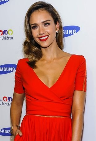 Jessica-Alba-2014-Samsung-Hope-For-Children-Gala-New-York-City-portrait-cropped