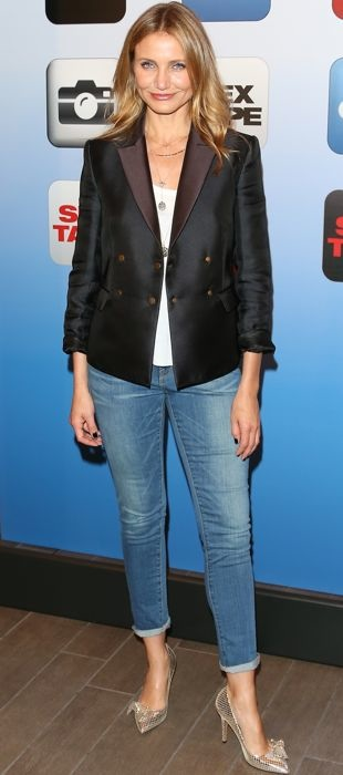 Cameron Diaz pairs The Row's colorblocked blazer with jeans at a photocall for Sex Tape