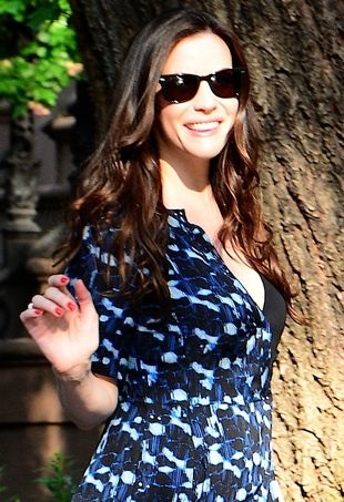 Liv-Tyler-headed-to-a-taping-of-Live-with-Kelly-and-Michael-New-York-City-portrait-cropped