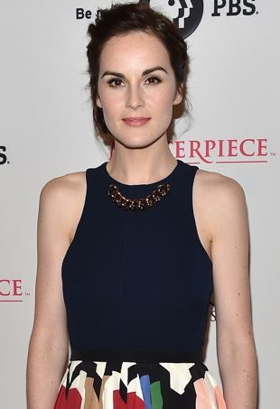 Michelle-Dockery-2014-Summer-TCA-Tour-Downton-Abbey-Season-5-Photocall-Beverly-Hills-portrait-cropped