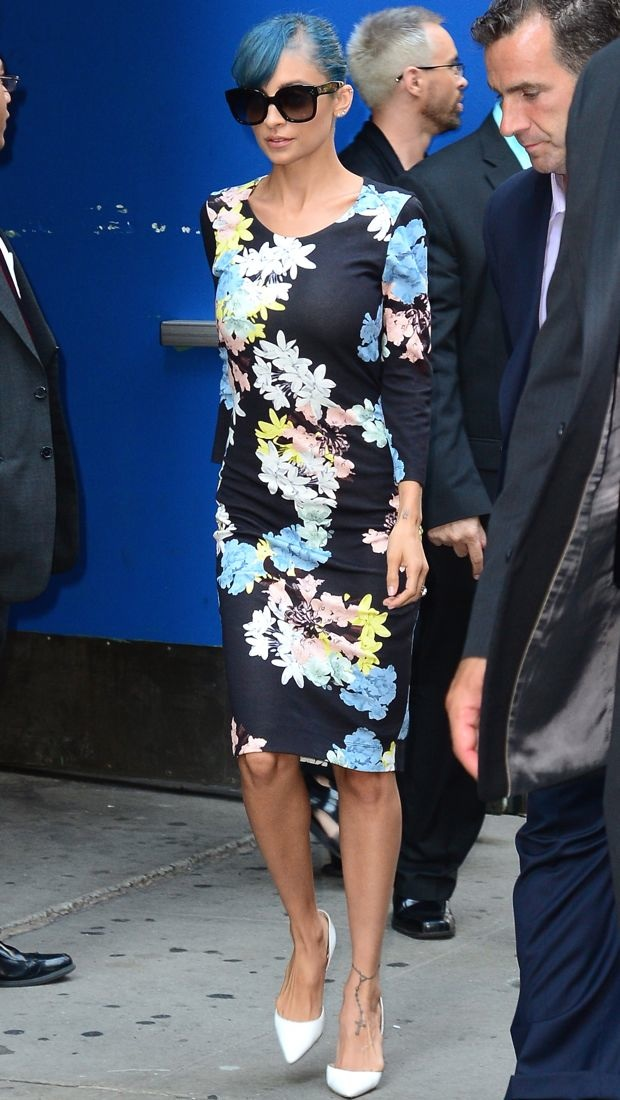 Nicole Richie puts her blue hair on display in Erdem