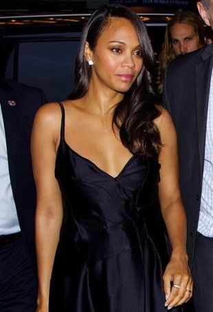 Zoe-Saldana-New-York-Screening-of-Guardians-of-the-Galaxy-portrait-cropped