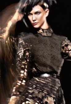 Karlie Kloss Moves It for Donna Karan's Fall 2014 Ad Campaign (Forum Buzz)