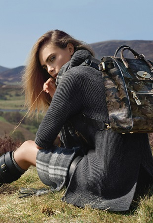 ad-campaign-mulberry-fall-2014-cara-delevingne-tim-walker-portrait