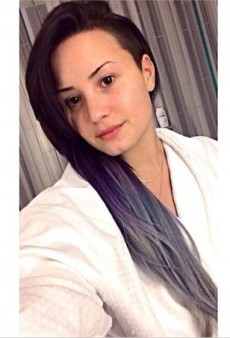 #NoMakeup #NoWorries: 20 Barefaced Celebrity Selfies