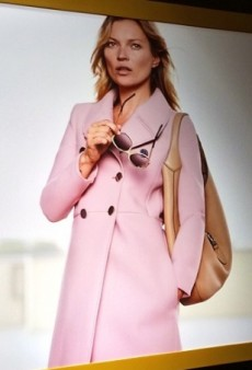 First Look: Kate Moss Models Gucci's 'Jackie' Handbag for New Ad Campaign (Forum Buzz)