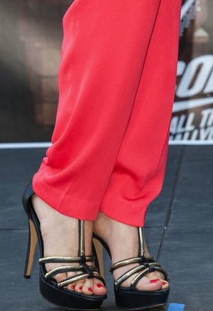 Black-platform-sandals