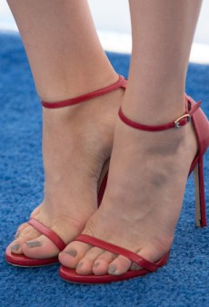 Celebrity Shoe Obsession: Stuart Weitzman Nudist Sandals