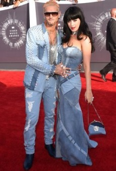 Sex Appeal, Sparkle and a Denim Red Carpet Throwback Dominate This Year's MTV Video Music Awards