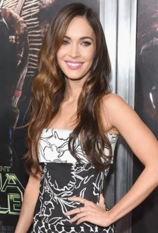 Megan Fox Keeps It Black and White in Oscar de la Renta