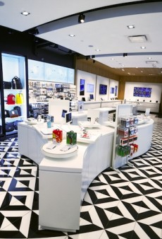 The First International iStore Opens in Montreal