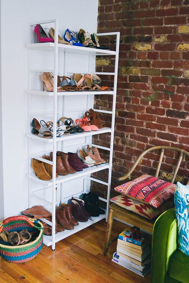 shoes_bookshelf