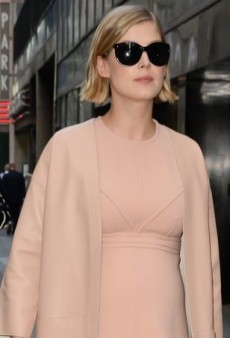 Rosamund Pike Is a Monochromatic Mom-to-Be in Marni and Louis Vuitton