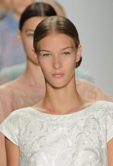 Models Nosh on Pastries, Get Schooled on Foundation and More Backstage at Tadashi Shoji Spring 2015