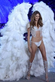 The History of Angels: The 101 Best Victoria's Secret Fashion Show Shots Ever