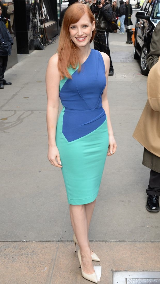 Jessica Chastain wears a colorblock Roland Mouret dress