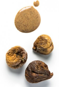 Bee Pollen, Maca, Cacao and 7 Other Ingredients Every Healthy Kitchen Needs