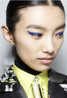 Get This Kenzo-Inspired Graphic Eyeliner in Just 3 Steps