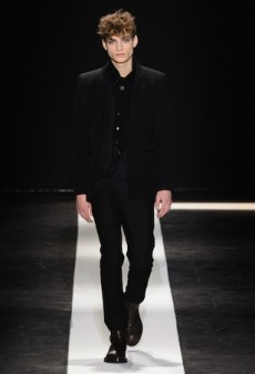 Ann Demeulemeester Men's Fall 2015 Runway