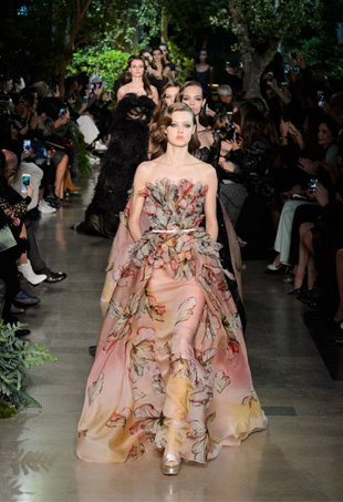 Elie Saab Haute Couture Spring 2015; Image: IMaxTree