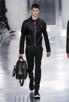 Louis Vuitton Men's Fall 2015 Runway
