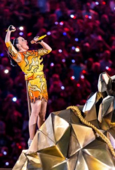 Jeremy Scott on How Katy Perry Managed Four Costume Changes at the Super Bowl Halftime Show