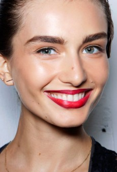 4 Ways to Brighten and Whiten Your Smile