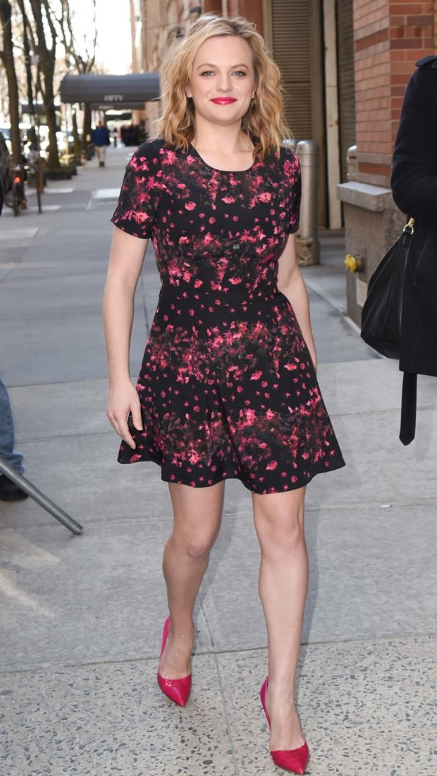 Elisabeth Moss hits the streets of NYC in a floral BB Dakota dress