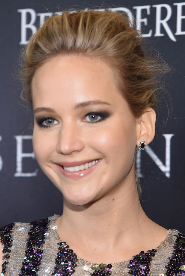 Jennifer-Lawrence-Serena-Screening-Dior-Beauty