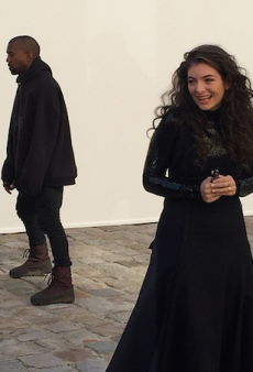 Lorde's Mum Was Real Excited to Be at Paris Fashion Week With Kanye and Lorde