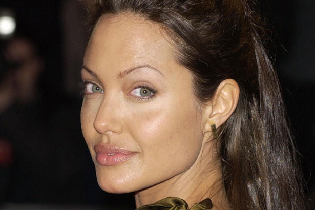 angelina-jolie-bad-overplucked-brows