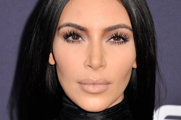 kim-kardashian-bet-awards-2015-spider-lashes