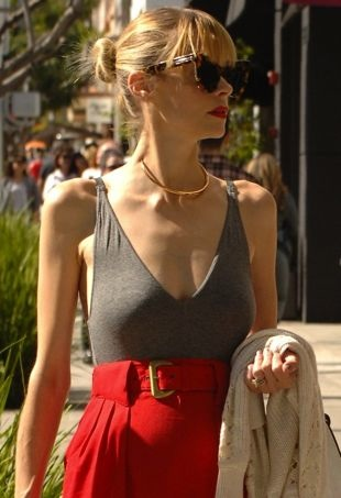 Jaime-King-shoppingBeverlyHills-portraitcropped