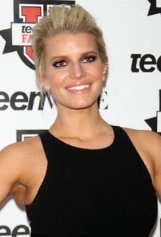 Link Buzz: Sequential Just Bought Jessica Simpson's Brand, Versace Accused of Plagiarizing Artist Kesh