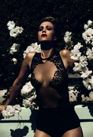 Kristen Wiig Violet Grey
