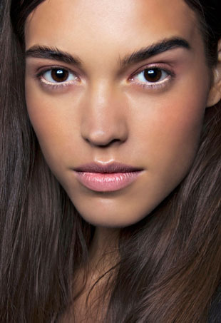 how-to-cover-up-a-pimple-acne-makeup