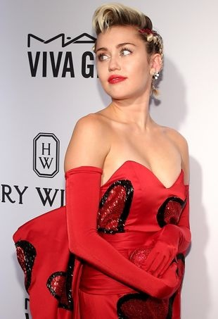 Miley-Cyrus-2015amfARNYGala-portraitcropped